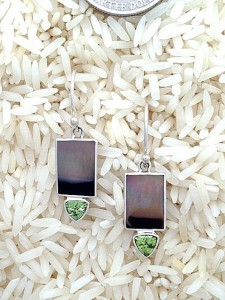 Lip Earrings X-Small Rectangular: Trill Peridot