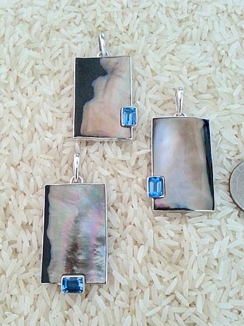 Black Lip Pendant Med/Large Rectangular: EC Blue Topaz